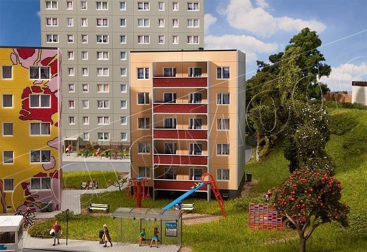Faller 130803 palazzo prefabbricato a 5 piani for Palazzo a due piani