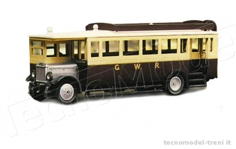 Peco 5137 Autobus 1927 Maudslay ML3 Model scene