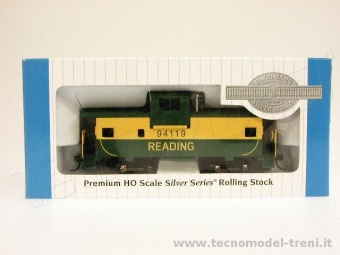 Bachmann 17710 36' wide vision caboose reading