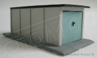 Simplon Model 415/aM Box garage in cemento con porta chiusa